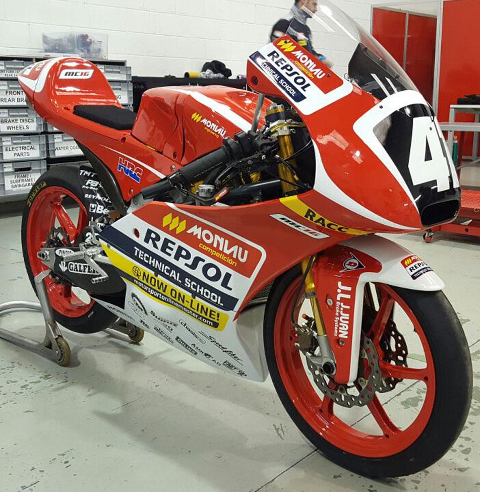 Motos de competición pintadas en Fast Design