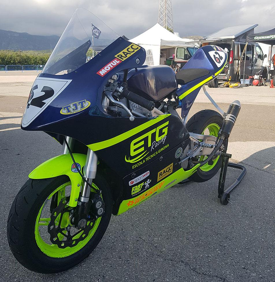 pintura motos competición en el Vallés